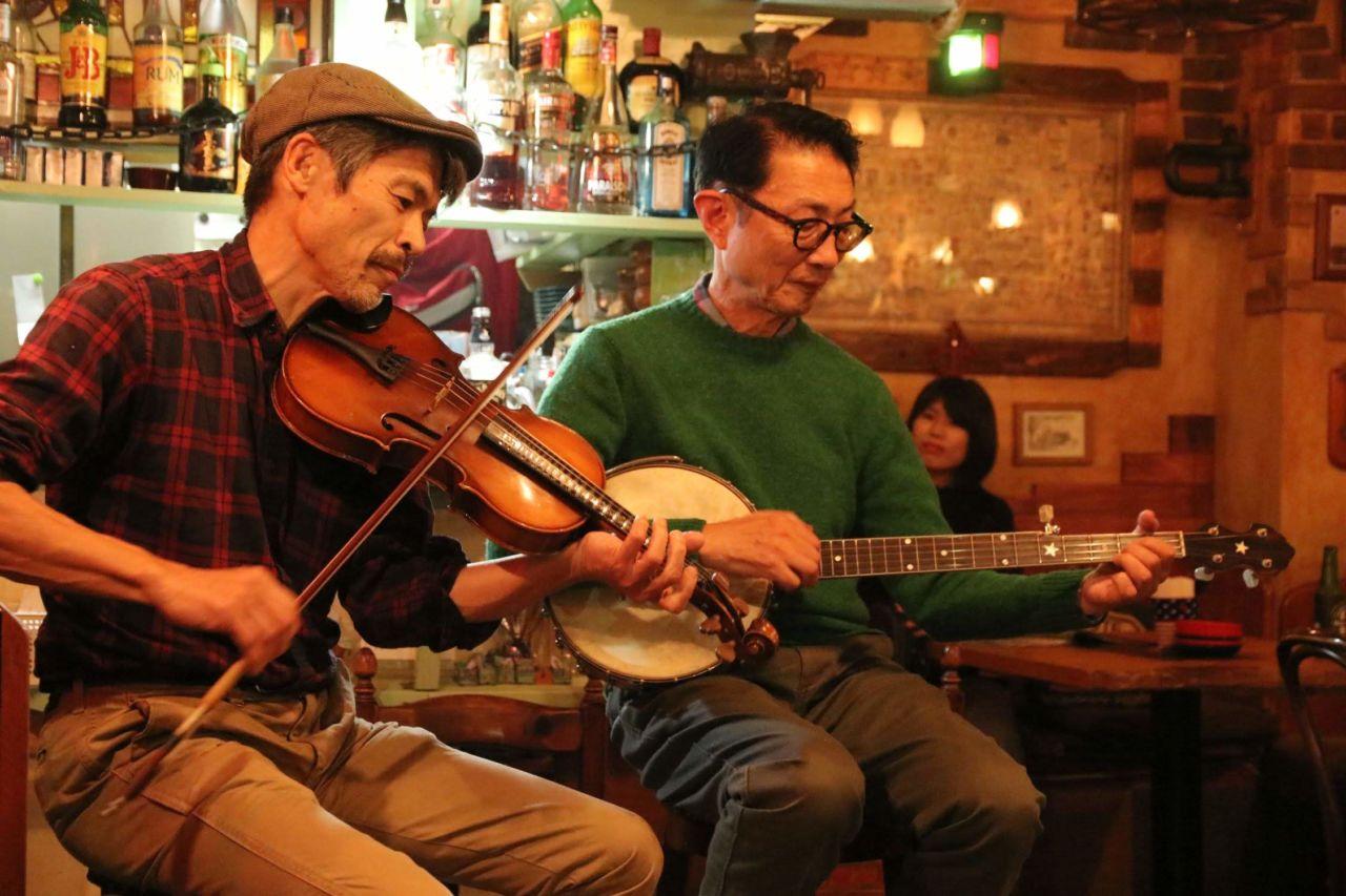 Fiddle K-Bayashi さんと Banjo 加瀬さんのステージ